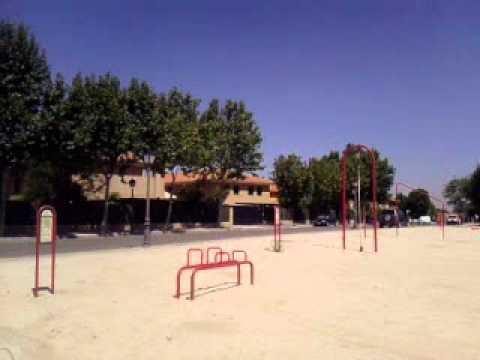 Parque de aparatos para hacer ejercicio en villaviciosa de for Aparatos de ejercicio