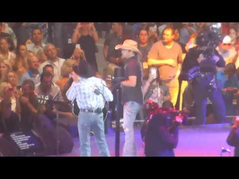 George Strait & Jason Aldean - Fool Hearted Memory (Dallas 06.07.14) HD mp3