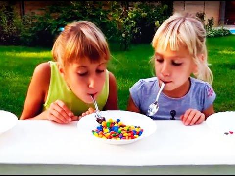 Челлендж с ММдемс и виноградом, идеи конкурсов для детских праздников, Challenge With M&Ms And Grape