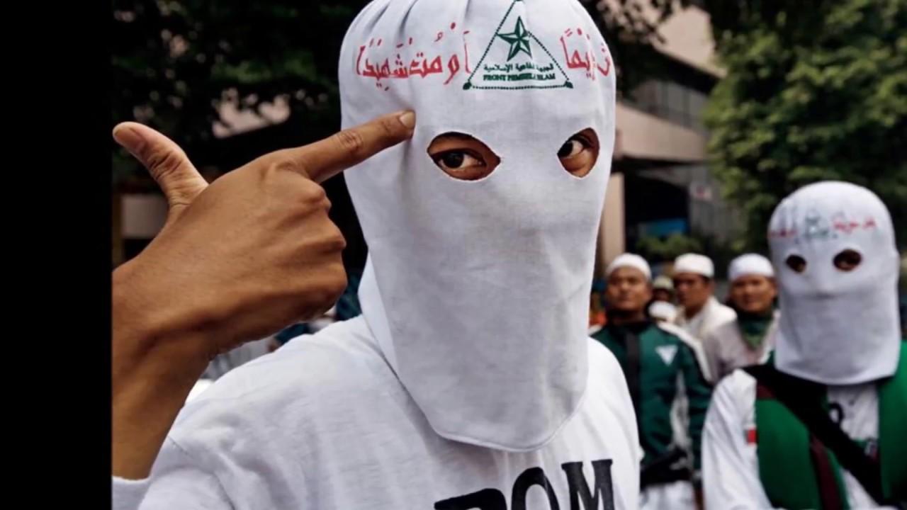 Densus 88 Temukan Baju Fpi Dan Foto Habib Rizieq Saat Tangkap Dan