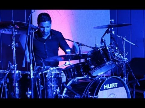 Hurt Performing Rapture (LIVE)