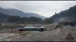 Crazy Volvo bus accident in Manali near Beas River | Live & Exclusive