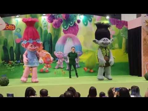 Dec 2016 Trolls the movie characters Live @takashimaya Singapore