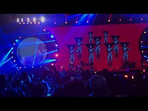 Shakira - La La La/Waka Waka (El Dorado World Tour - Live in Zürich)