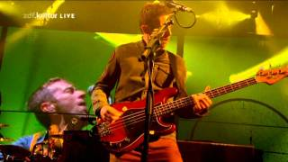 Coldplay - Yellow (live at Glastonbury 2011)