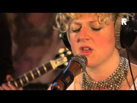 Live uit Lloyd - Laura Vane & The Vipertones - Lily pad