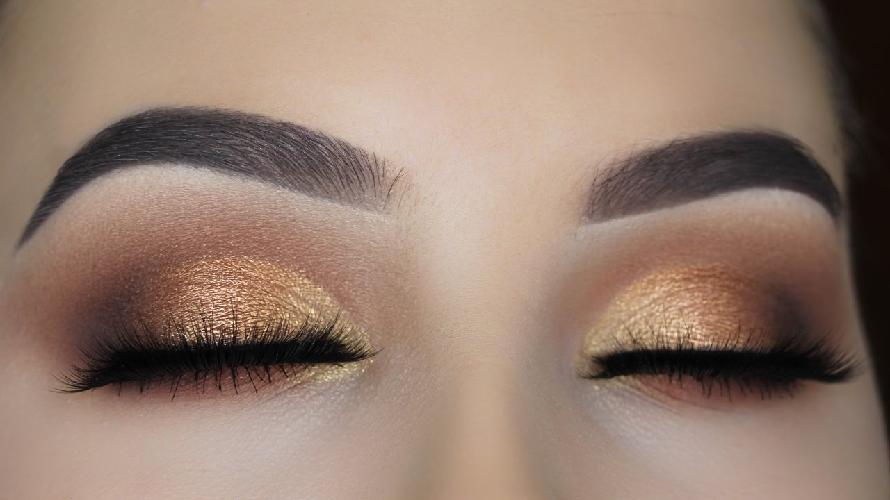 Fashion style Eyeshadow Gold tutorial pictures for woman