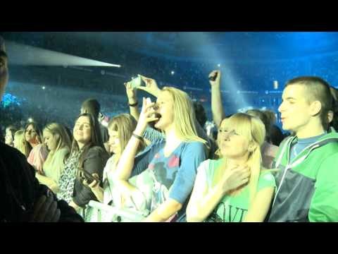 Aco Pejovic - Spavas li - (Live) - (Arena 19.10.2013.)