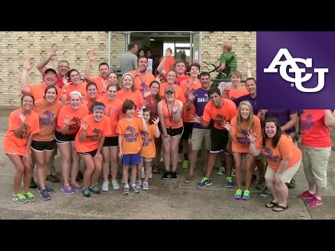 ACU Freshman Move-In 2014