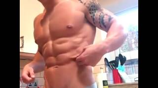 Download Video Cowok Ganteng Pamer Body Sexy - Trending Viral Video #1 MP3 3GP MP4
