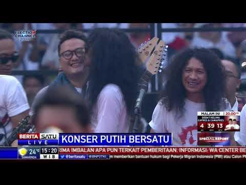 Aksi 100 Gitaris Hibur Massa Pendukung Jokowi-Ma'ruf