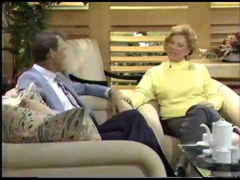 Glen Campbell Talks With Dinah Shore