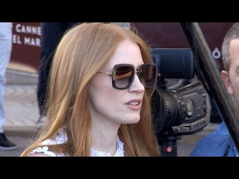 Jessica Chastain giving it to the fans at the Martinez Hotel