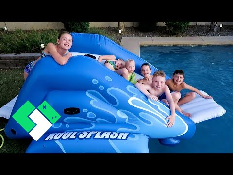 Last Day of Summer Pool Party! New Water Slide! (Day 1952)