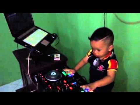 DJ cilik beraksi