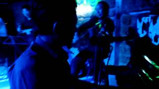 Edwina Thorne live at MUC DONG BAR HUE VIETNAM  2012 _ Sway