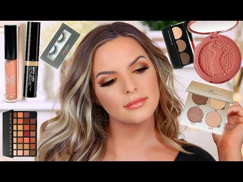 CHIT CHAT / GRWM | ANSWERING YOUR QUESTIONS | Casey Holmes