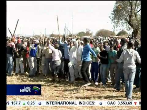 Anglo Platinum issues warning to striking workers