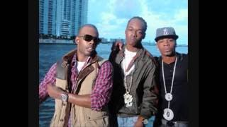 Hurricane Chris Ft. Mario - Headboard (lyrics)