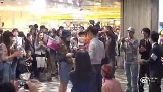 """フラッシュモブ サプライズ プロポーズ from 台湾 あべのハルカス Flashmob marriage Proposal """" One Direction C'mon C'mon """""""