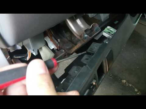 Remove Switch Blank Off Panels In Nissan Xterra