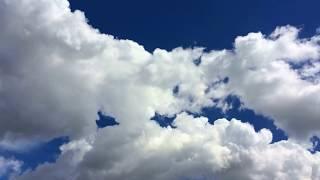 Muhteşem bulut görüntüleri eşliğinde, bulutlar arasında umuda doğru yolculuk yapıyoruz. İyi seyirler