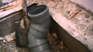 Как проложить канализационную трубу, уклоны и изгибы, канализация своими руками(Монтаж канализации и основные требования. Углы уклона канализационных труб: Ø160 - 0.8см/м., Ø110 - 2см/м., Ø50 - 3см/м...., 2015-10-10T16:06:18.000Z)