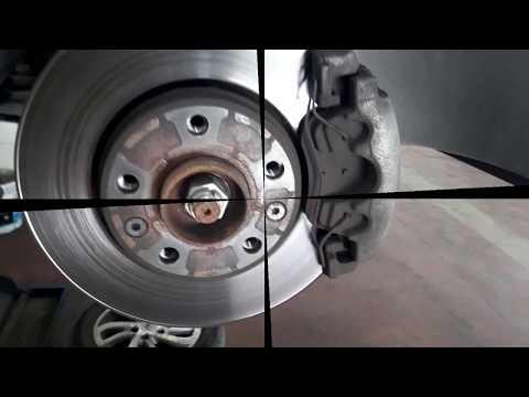 Замена передних тормозных колодок Renault Fluence