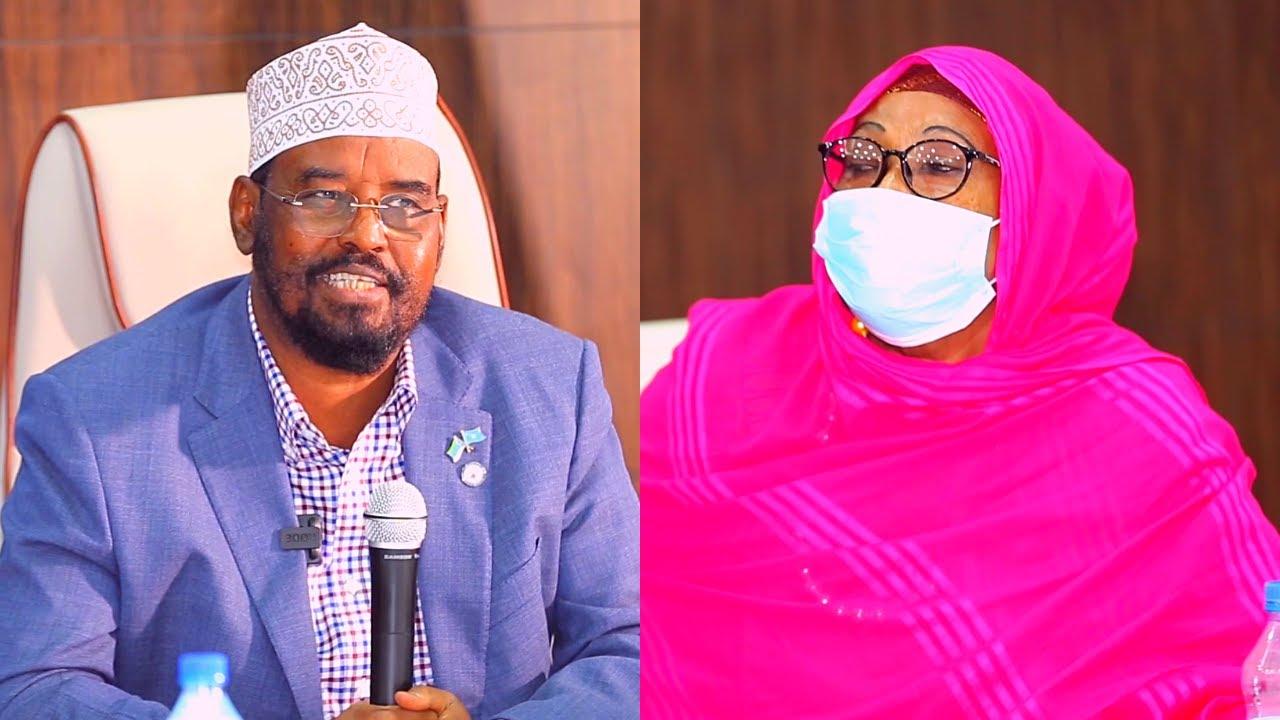 Download Madaxweyne Ahmed Mohamed Islaam oo la Kulmay Haweenka Soomaaliyeed ee Xamar.