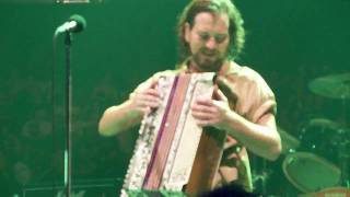 Pearl Jam - Bugs - 10.31.09 Philadelphia, PA