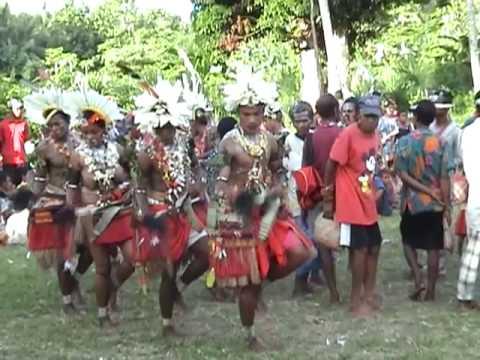 Trobriand Islands Dance, Papua New Guinea (2)