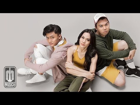 Sheryl Sheinafia & Rizky Febian Feat. Chandra Liow - Sweet Talk (Official Video)