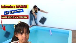 Baixar MINHA MÃE FICOU MALUCA JOGOU MEU NOTEBOOK NA PISCINA - EDUARDA FERRÃO