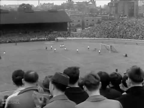 Soccer / Football : The Great Game - 1945 British Council Film Collection - CharlieDeanArchives
