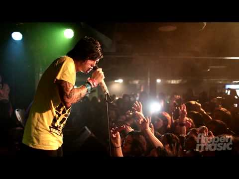 Sleeping with Sirens - Stomach Tied In Knots (Live)
