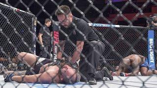 Рефери UFC поздно остановил бой, российский боец остался без соперника на UFC 209