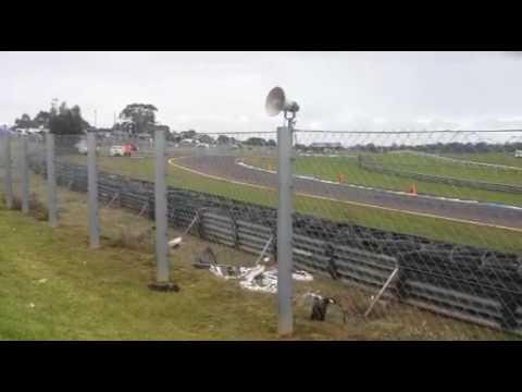 James Golding/James Moffat Huge crash at Sandown! 2016 V8 Supercars championship