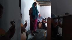 La sœur fanny qui chante au culte du 21.96.20 à Aureilhan