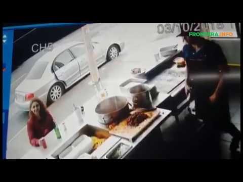 Momento del secuestro de David en taquería de Playas de Tijuana