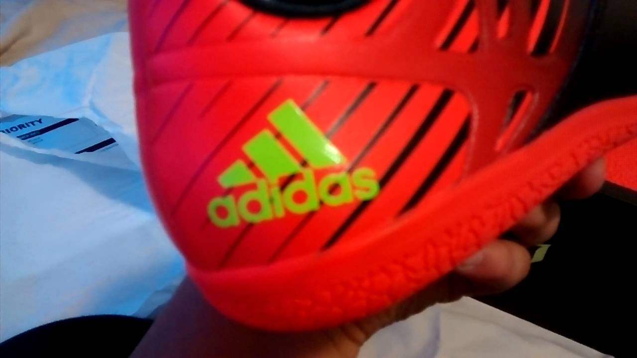 da9ebce1705 Messi 15.3 indoor soccer shoes unboxing - YouTube