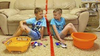 РАЗДЕЛИЛИ ВСЕ БЕЙБЛЕЙДЫ !!! Сережа и Влад теперь НЕ ДРУЗЬЯ ? Видео для детей / video for kids