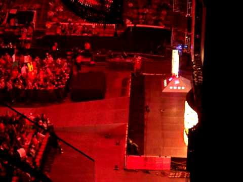 RAW before going live at the RBC Center in Raleigh, NC 7/20/09