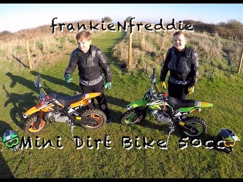 MINI DIRT BIKE 50cc (Brothers riding together)