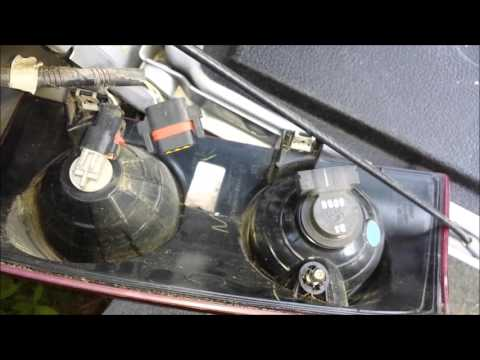 How To Replace A Turn Signal Lamp - 2008 Dodge Ram 1500