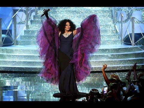 Diana Ross Receiving AMA Lifetime Achievement Award 2017