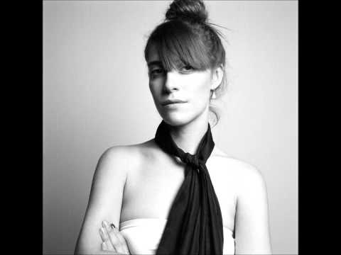 Fire In The Water - Feist (Lyrics)