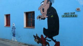 как ГОЛЛИВУД снимал фильм СМУРФИКИ в испанской деревне.