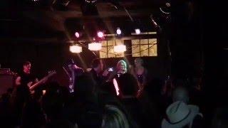 Miranda Lambert & Gwen Sebastian singing with Anderson East