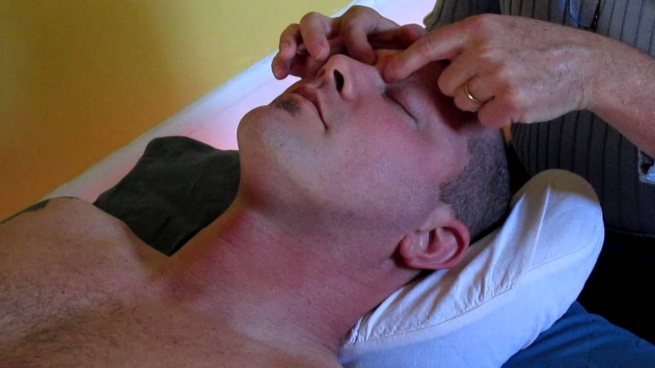 INTEGRATED MANUAL LYMPHATIC DRAINAGE WITH ACUPRESSURE AND