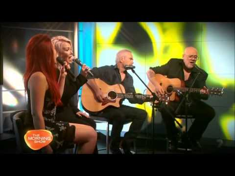 Kim Wilde  Kids In America acoustic; Morning Show Australia Oct 2013